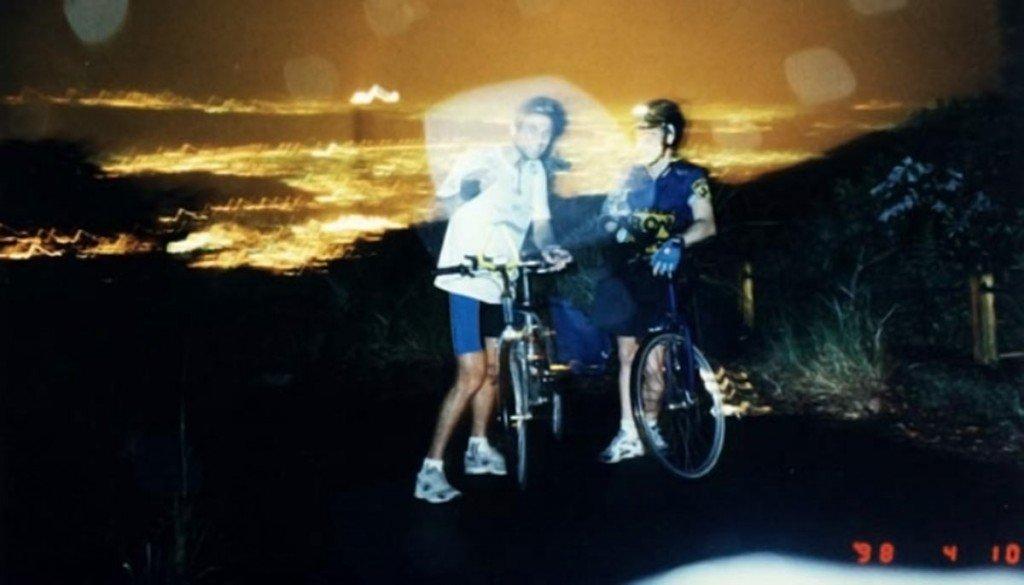 O Bicicreteiro (a esquerda), em mais uma descida clandestina em 1998