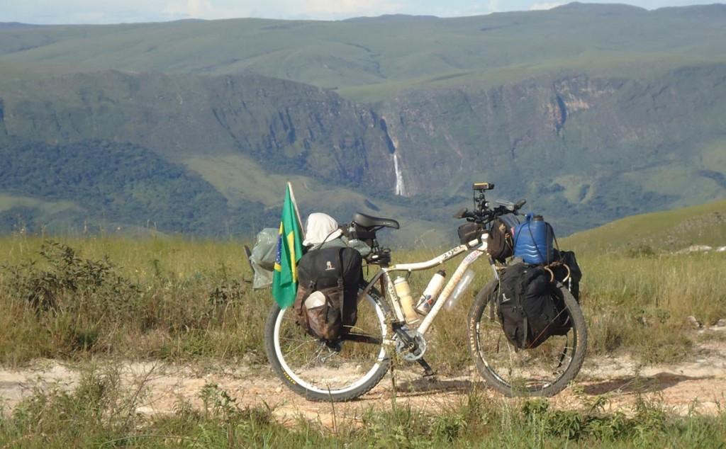 Visão da Cachoeira Casca D'anta (Rio São Francisco, a partir da Serra da Babilônia, no Parque Nacional da Serra da Canastra
